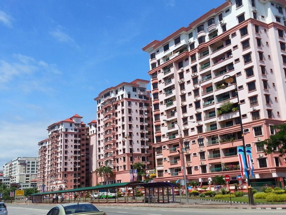 KK Waterfront Suites at Marina Court