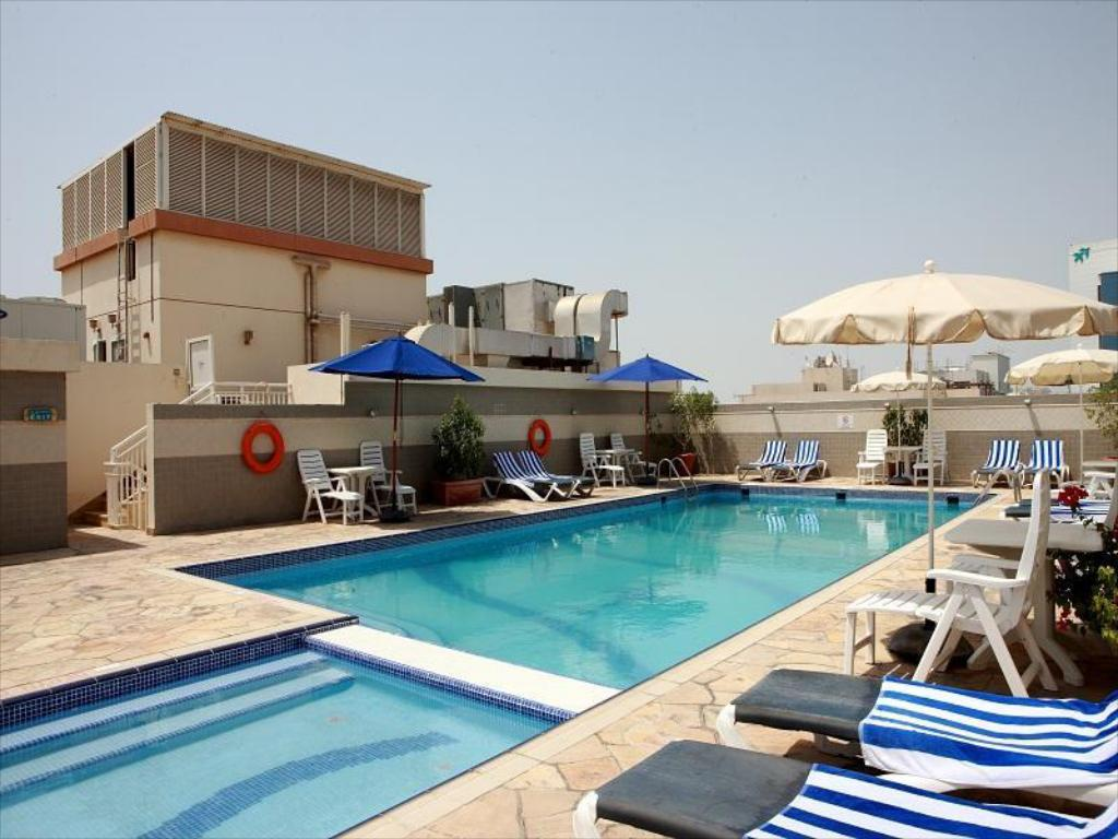Best price on rose garden hotel apartments bur dubai in for Garden pool dubai