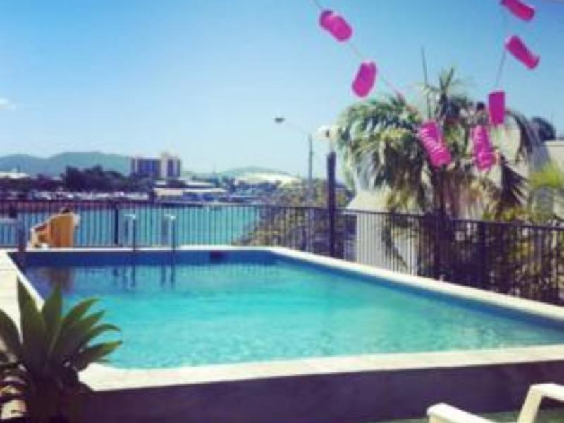 Adventurers Backpackers Resort, South Townsville