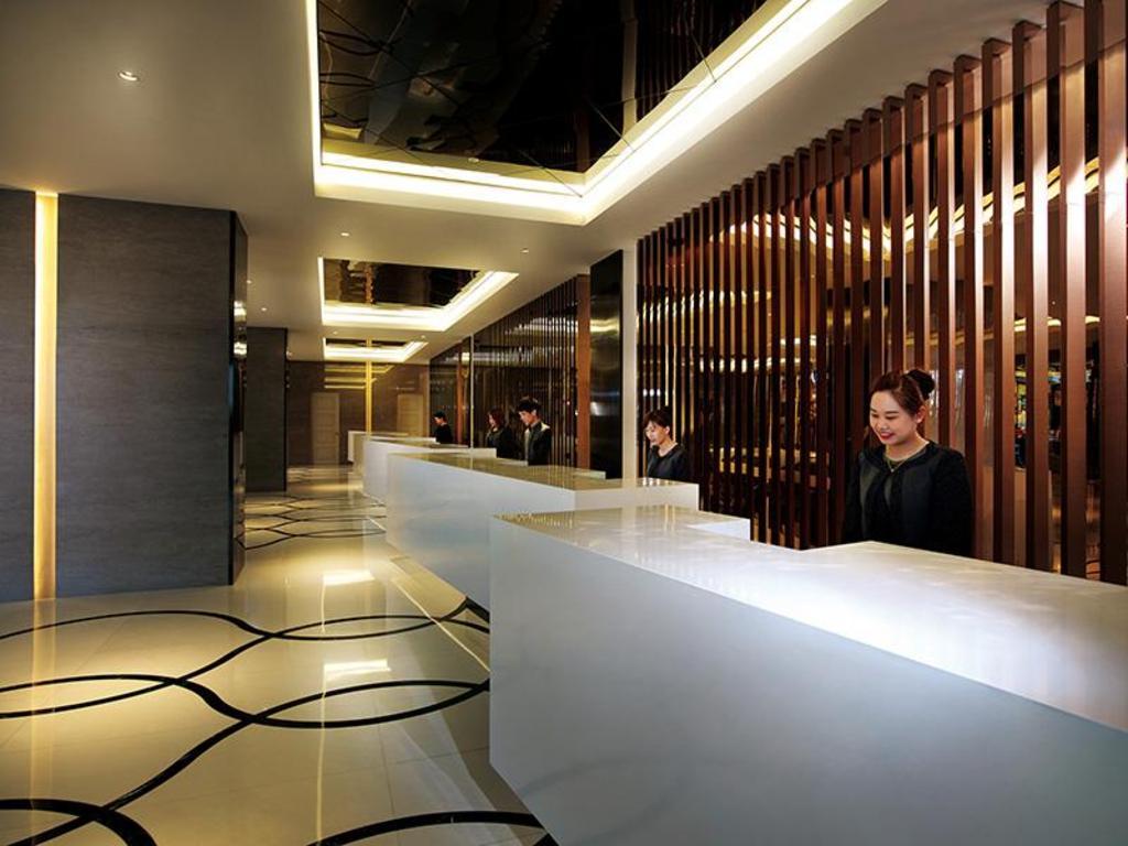 Maxims Hotel Room Rates