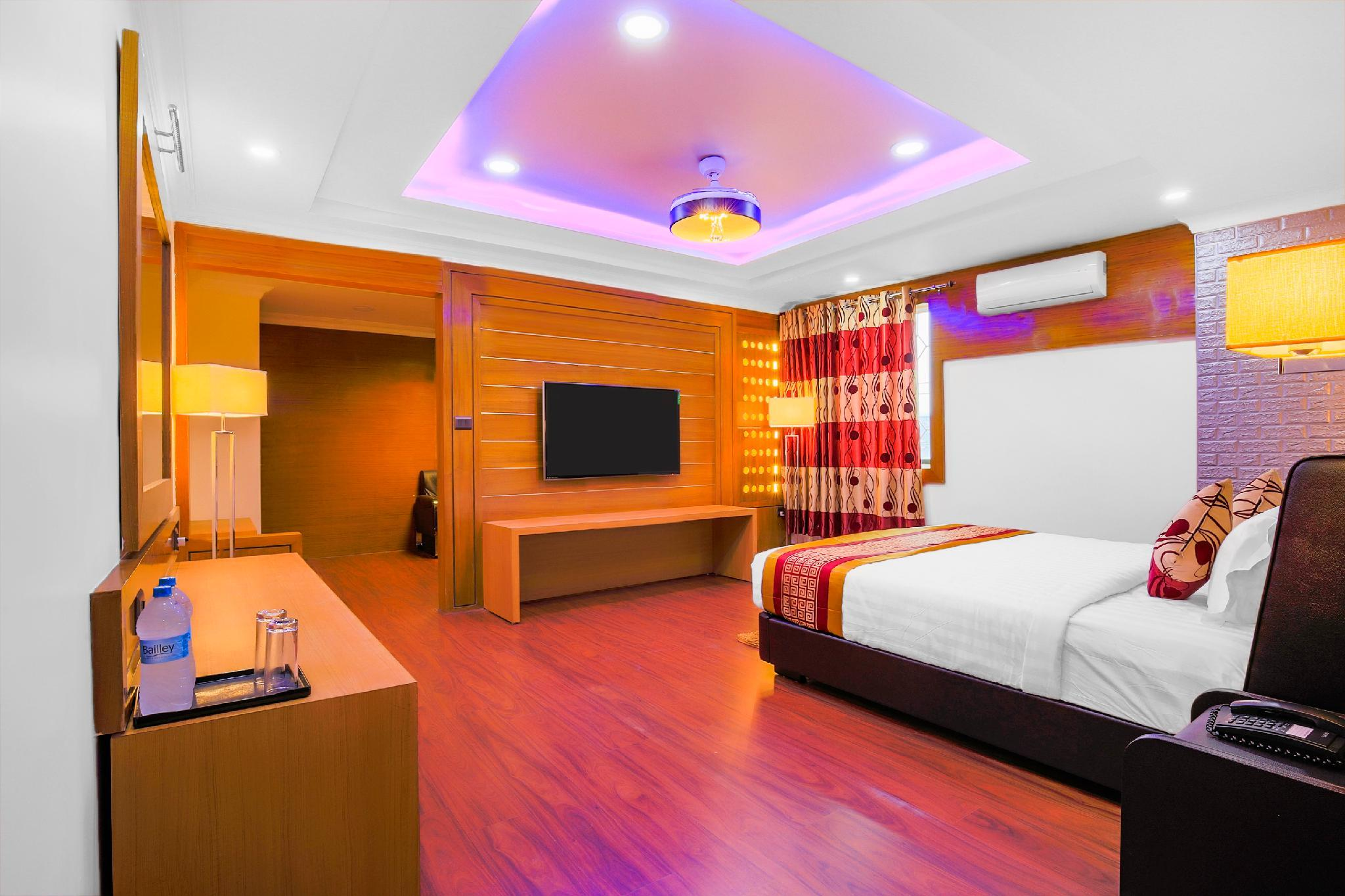 Capital O 435 Hotel Intourist Palace, Koshi