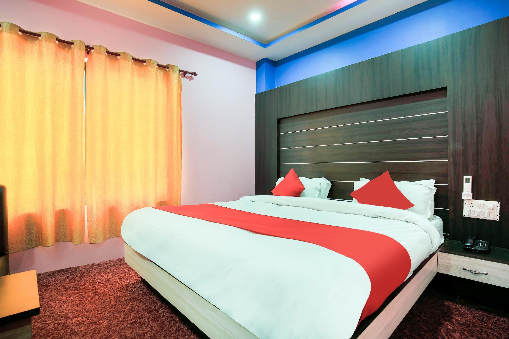 OYO 405 Hotel Grand Pacific Pvt Ltd, Mechi