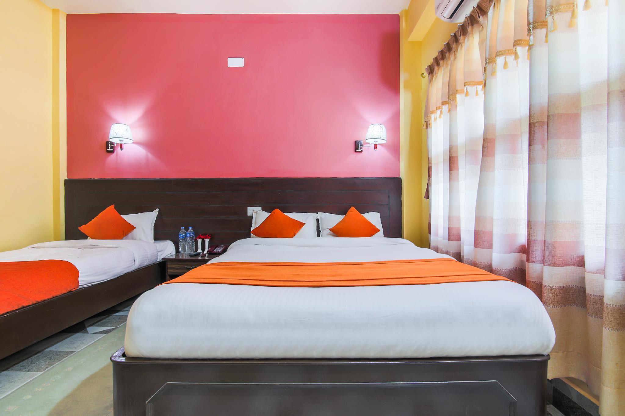 OYO 461 Hotel Holiday Home, Mechi