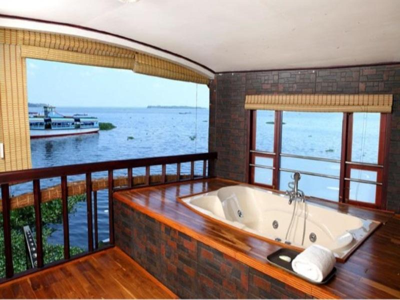 Grand Nirvana Jacuzzi Super Luxury Premium House Boat, Alappuzha