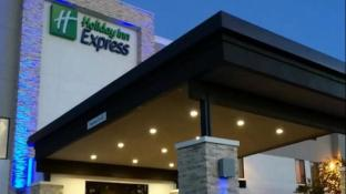 Holiday Inn Express Suites Claremore