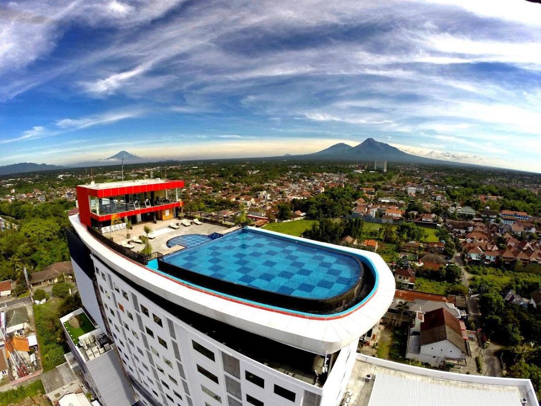 Best Price on Indoluxe Hotel Jogjakarta in Yogyakarta ...