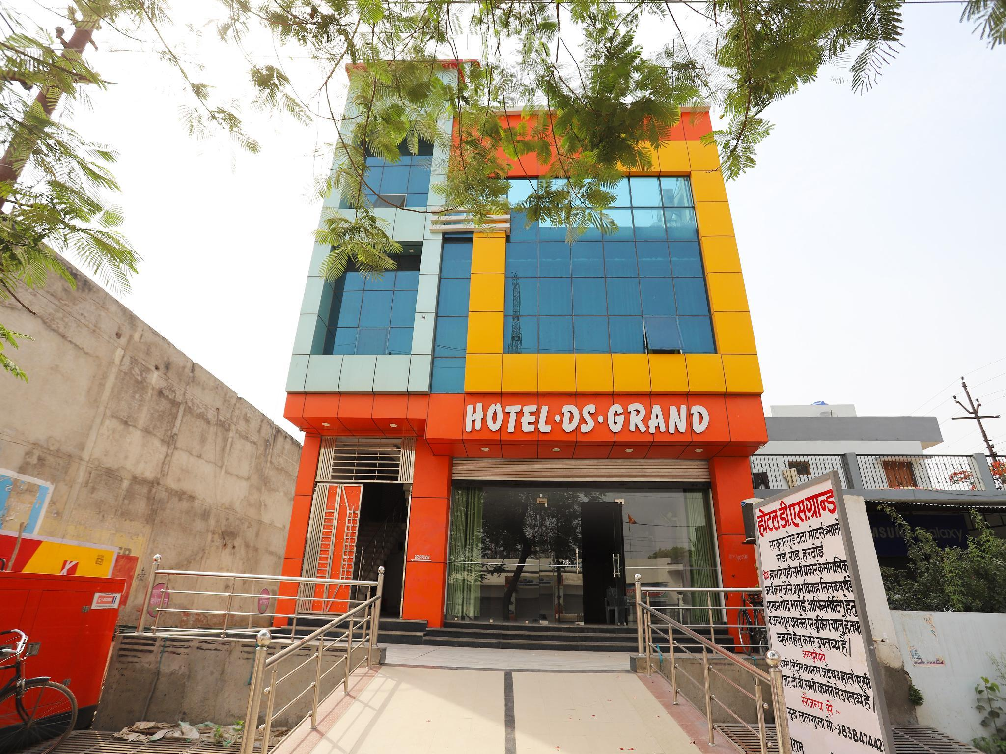 OYO 39485 Hotel Ds Grand, Hardoi