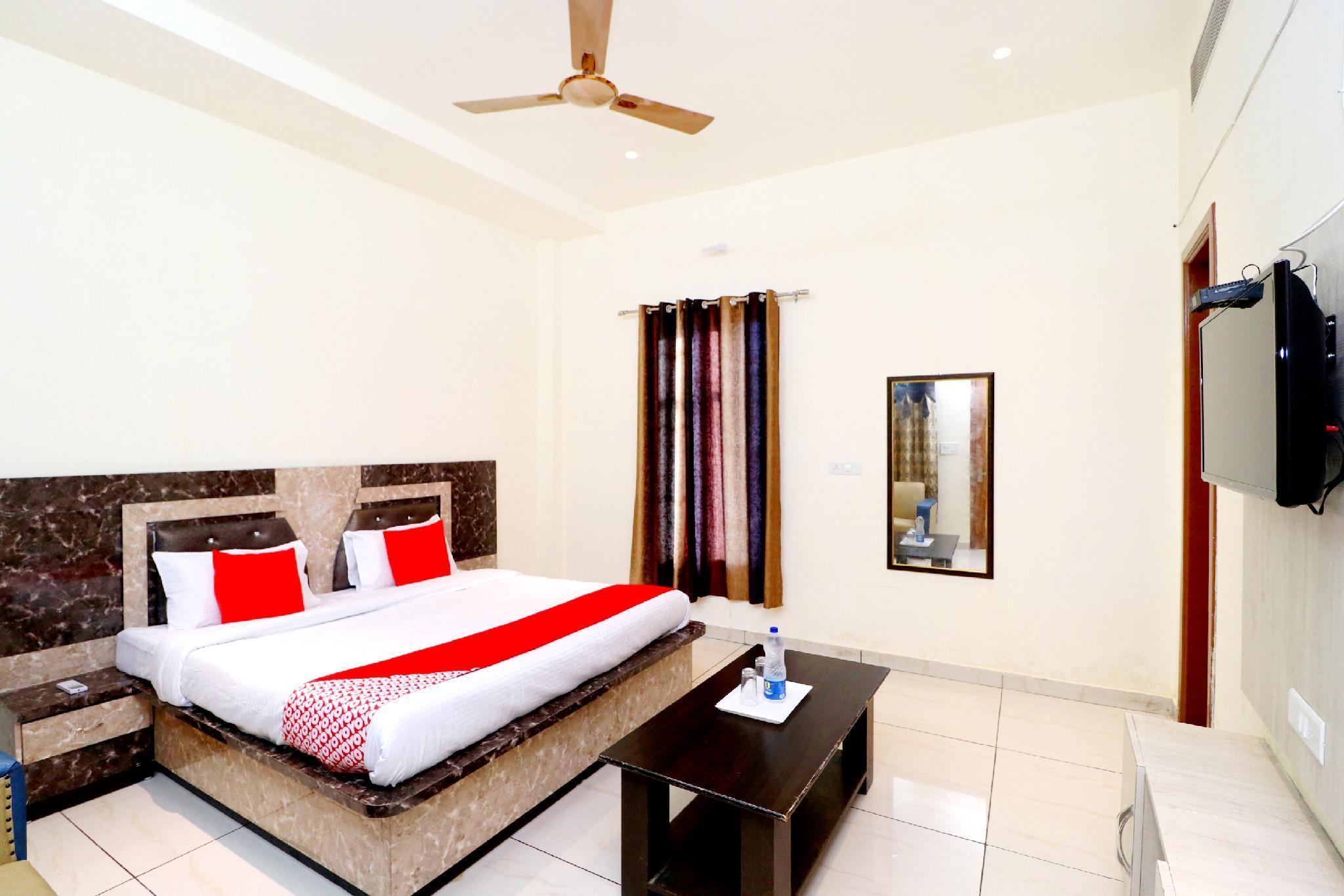 OYO 40982 Hotel Satkar, Tarn Taran