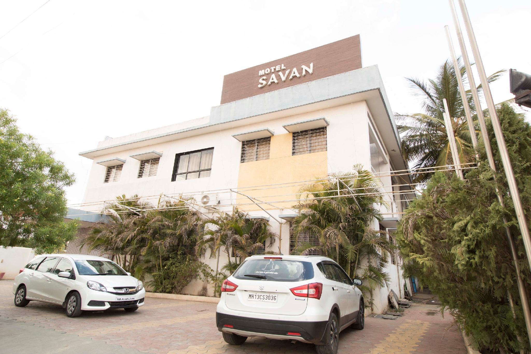 OYO 40532 Savan and Sapna Lodging, Solapur