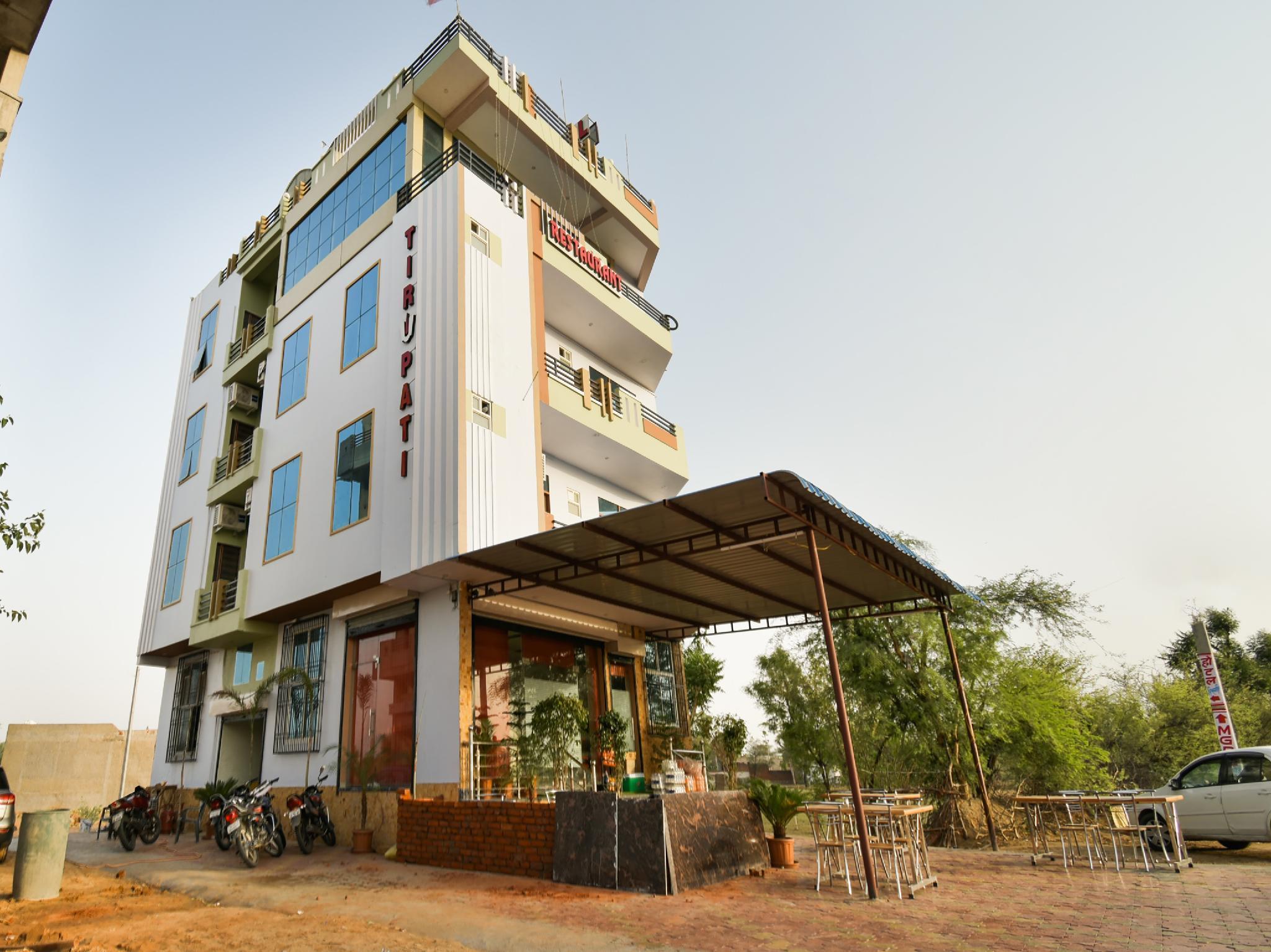 SPOT ON 40238 Hotel Tirupati, Sikar