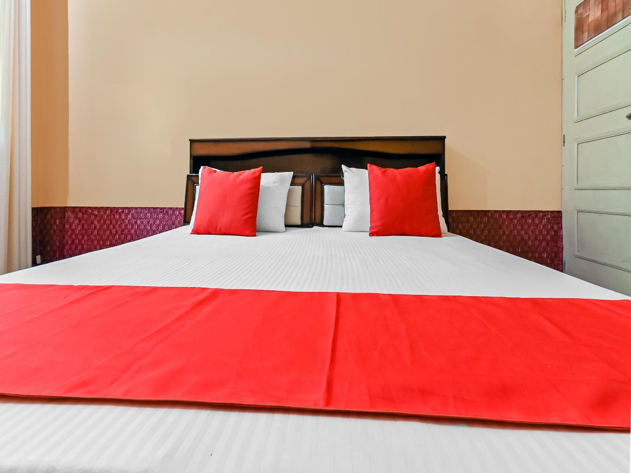 OYO 41144 Hotel V.m., Meerut