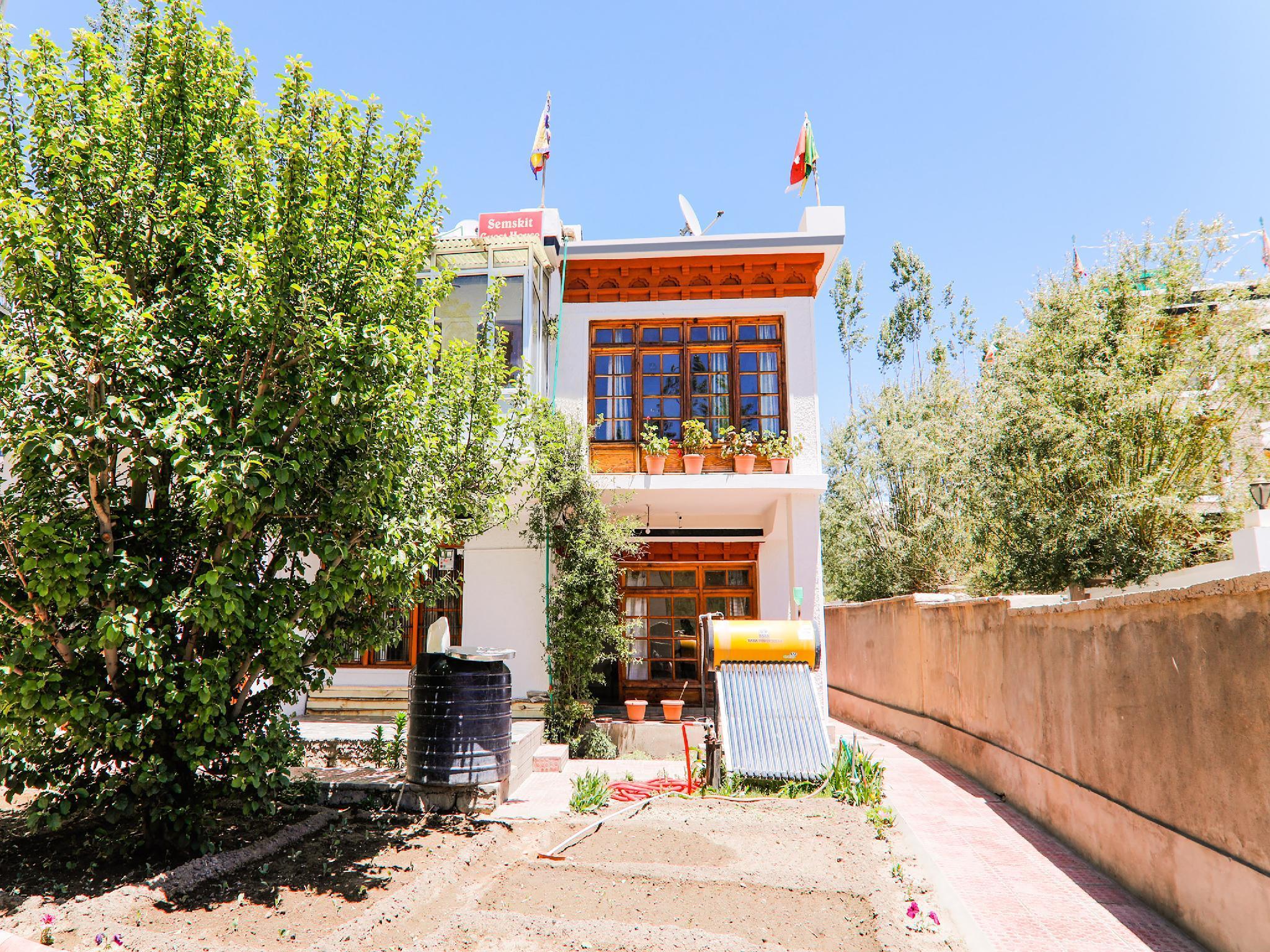 OYO 41662 Semskit Guest House, Leh (Ladakh)