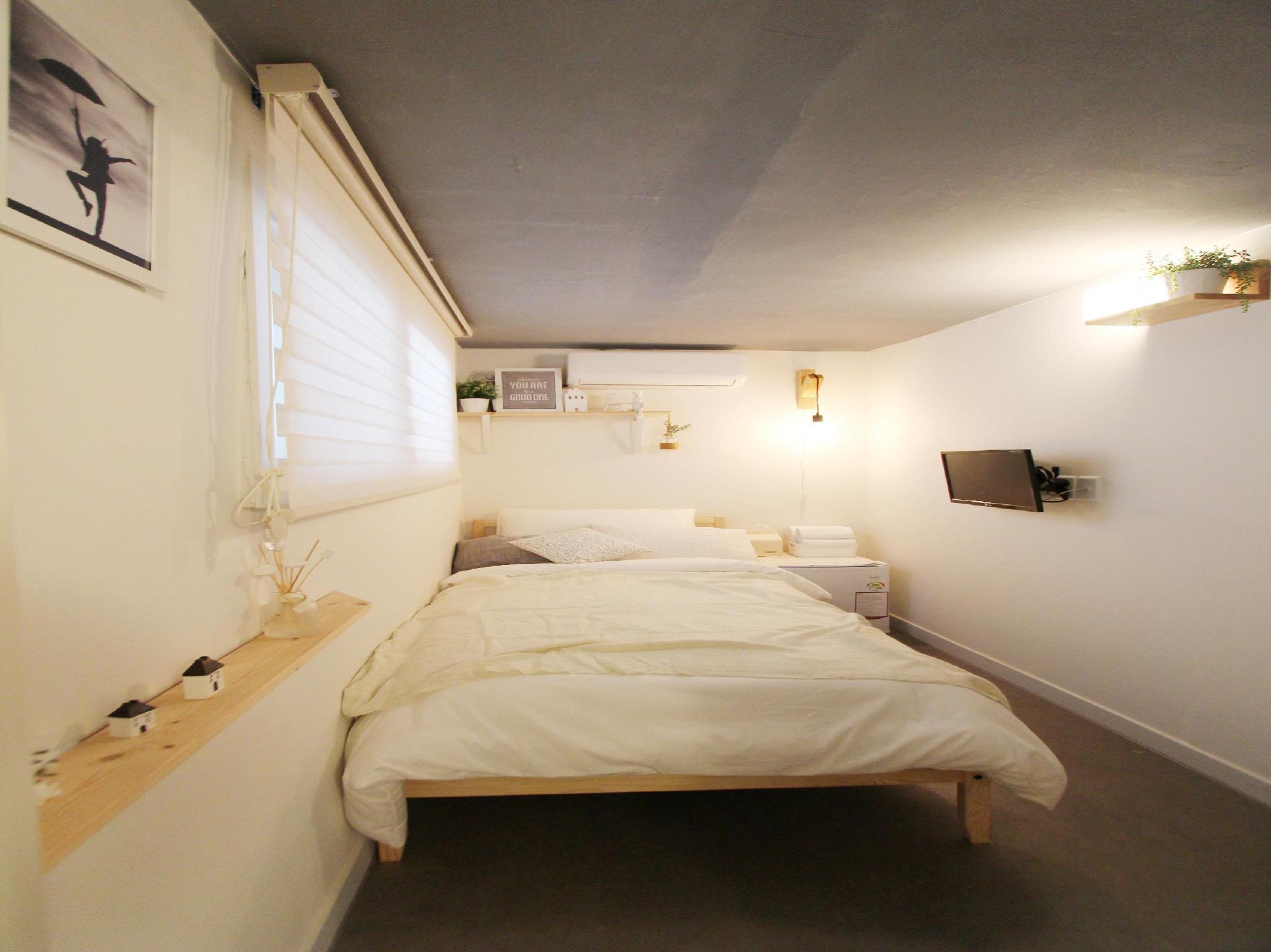 Mono House Hongdae, Seodaemun