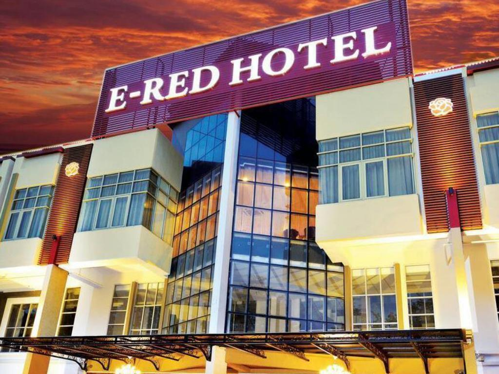 Best Price on E-Red Hotel Alma Cosmo in Penang + Reviews