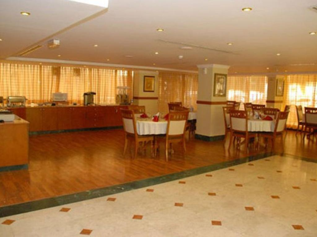 Best Price On London Crown 2 Hotel Apartment In Dubai