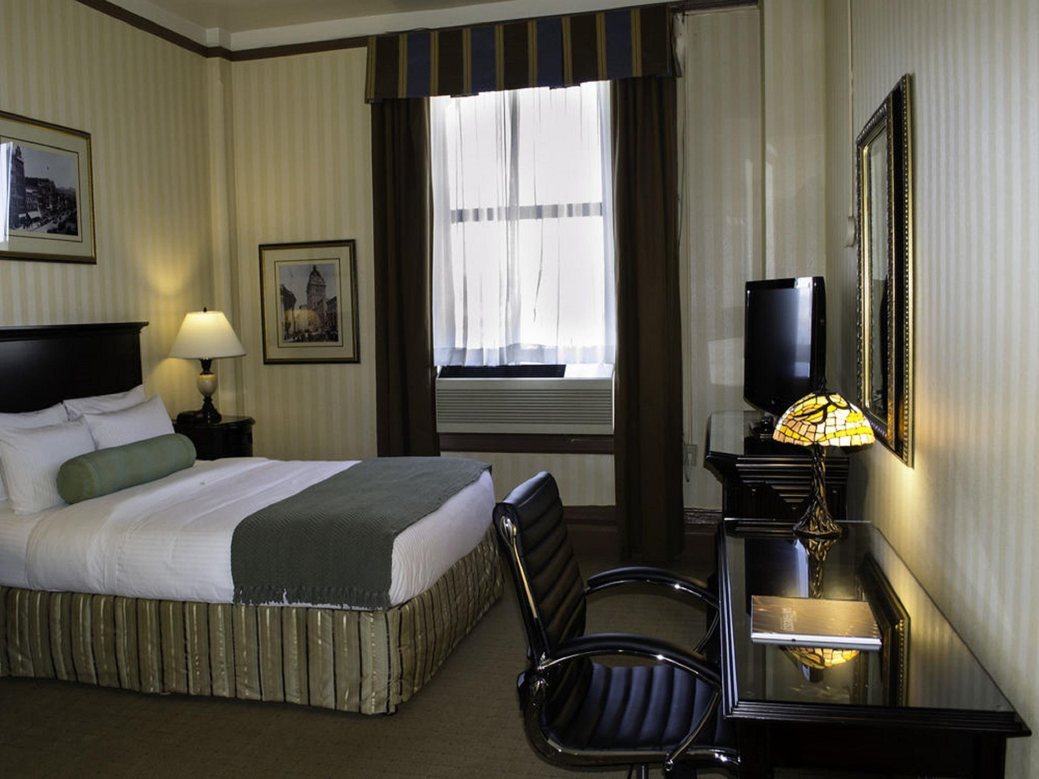 Superior Queen Room - Free Internet In Room