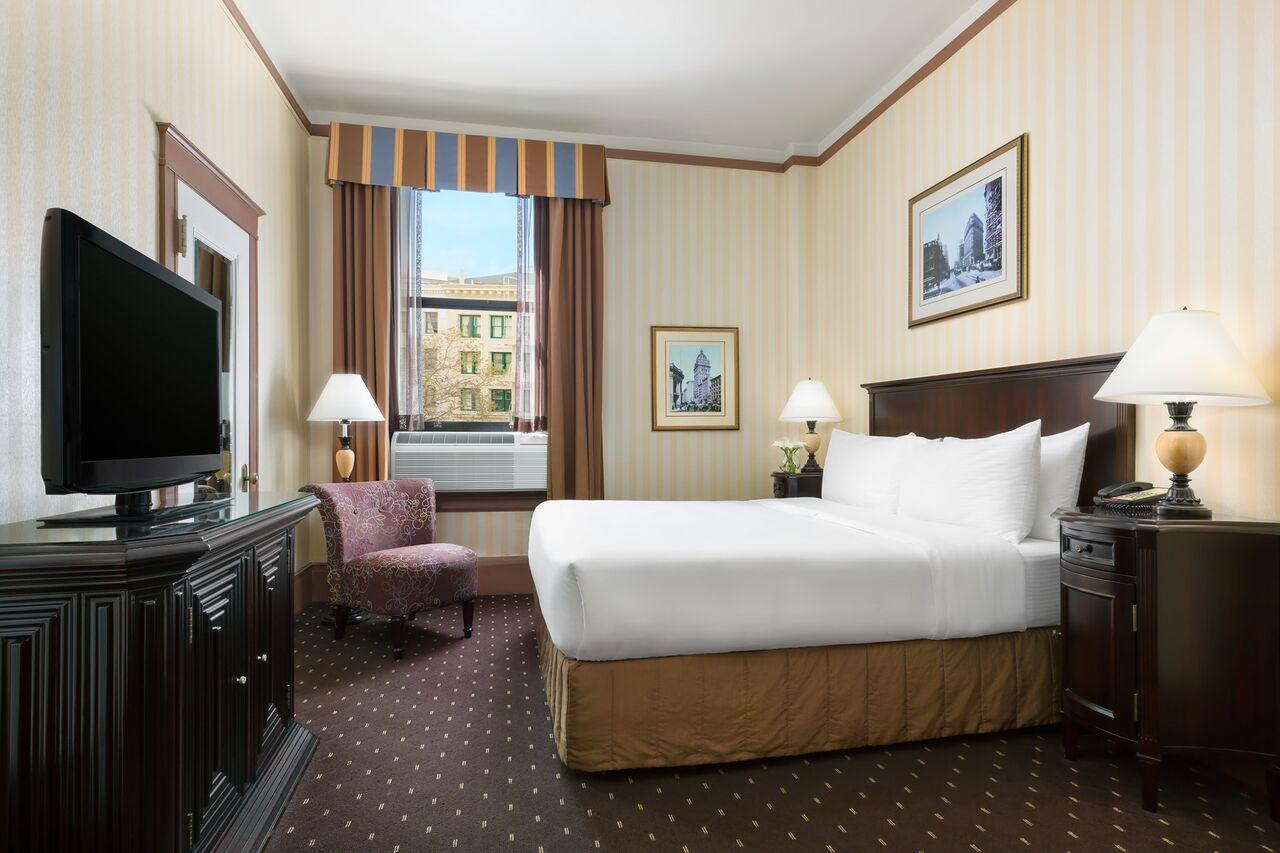 Superior King Room - Free Internet In Room