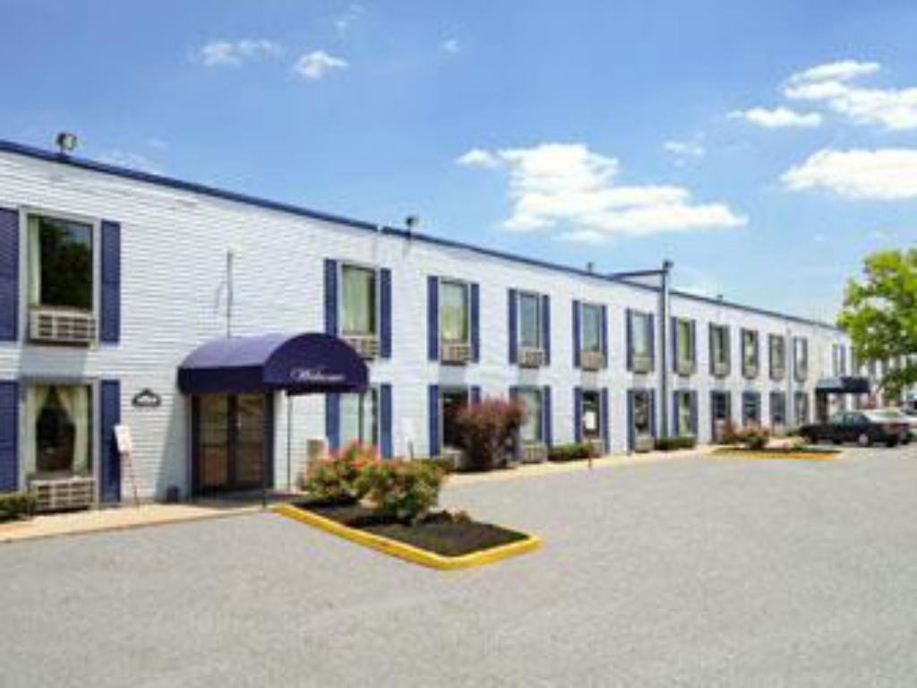 Best price on travelodge florence cincinnati south hotel for Hotels florence