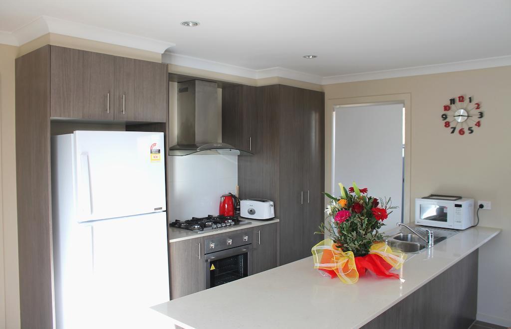 Serviced Houses - Roxburgh Park, Hume - Craigieburn