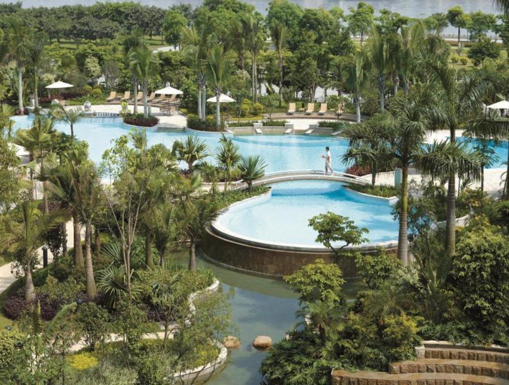 Best Price on Shangri-La Hotel Guangzhou in Guangzhou