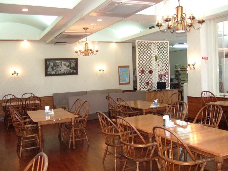 Petit Hotel Key West Club, Onna