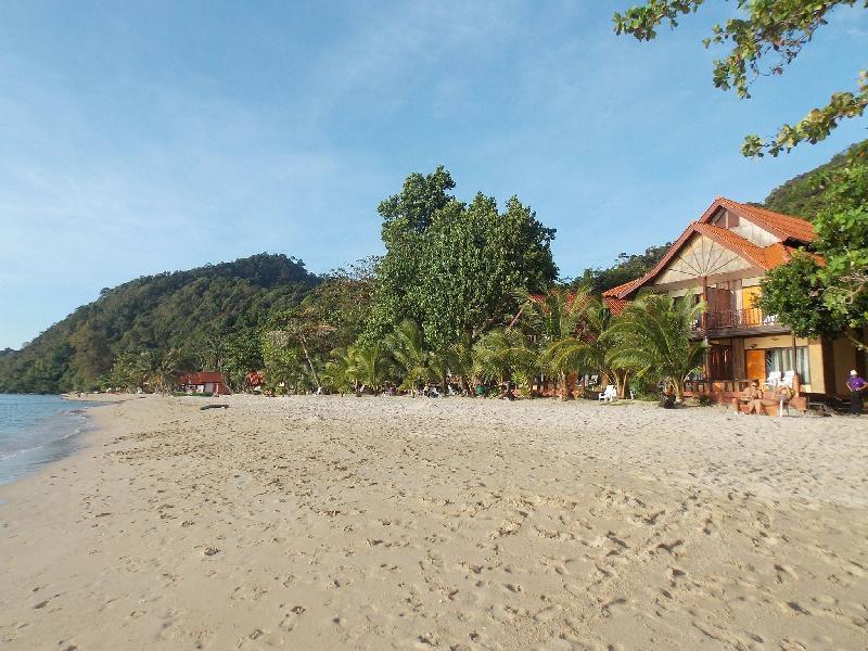 White Sand Beach Resort In Thailand