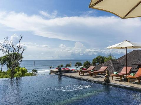 Nusa Ceningan villas and hotels