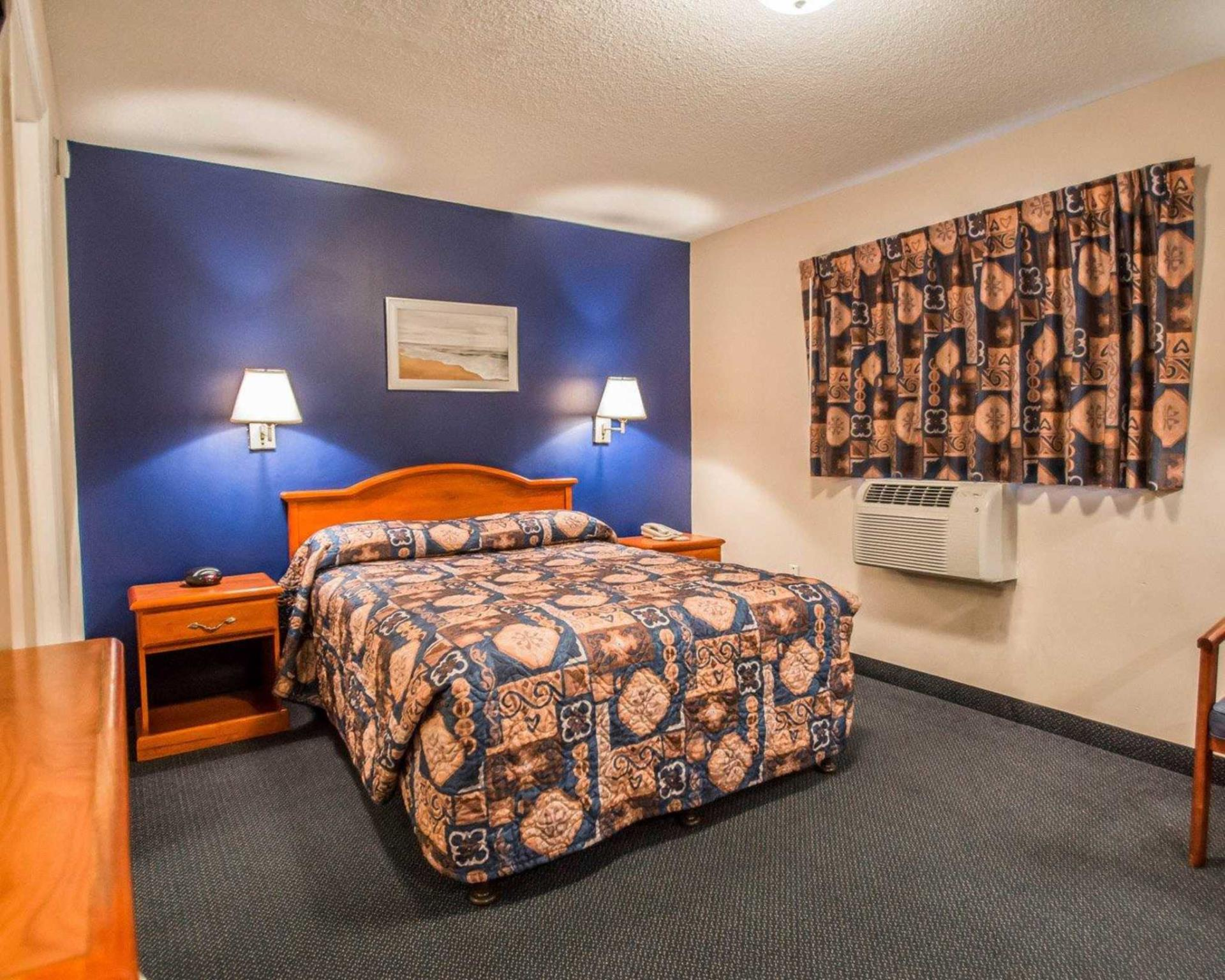 Suburban Extended Stay Hotel Airport, Hillsborough
