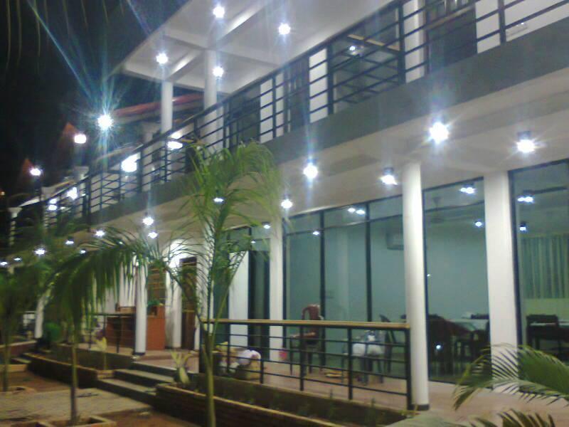 New Sunrise Batticaloa Hotel, Manmunai North