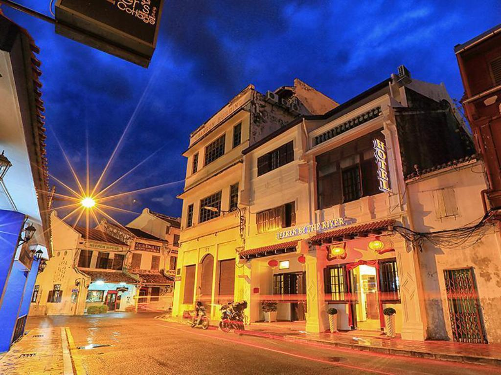 Best Price on Heeren By The River Hotel in Malacca + Reviews!