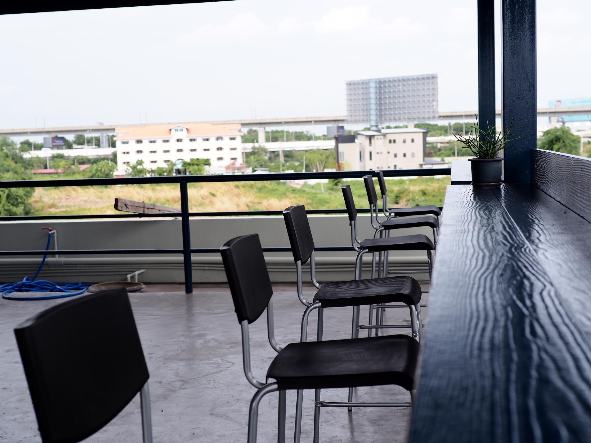 Yamyen Hostel, Bang Plee