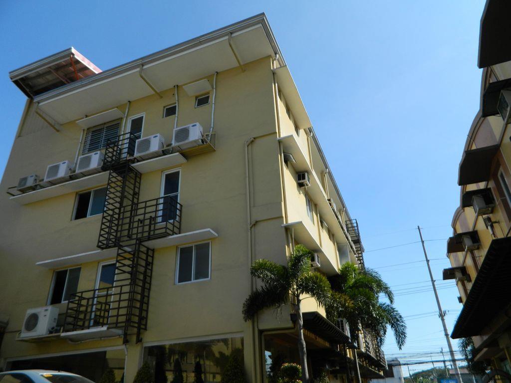 Hollywood Suites and Resort - Bancal, Valenzuela