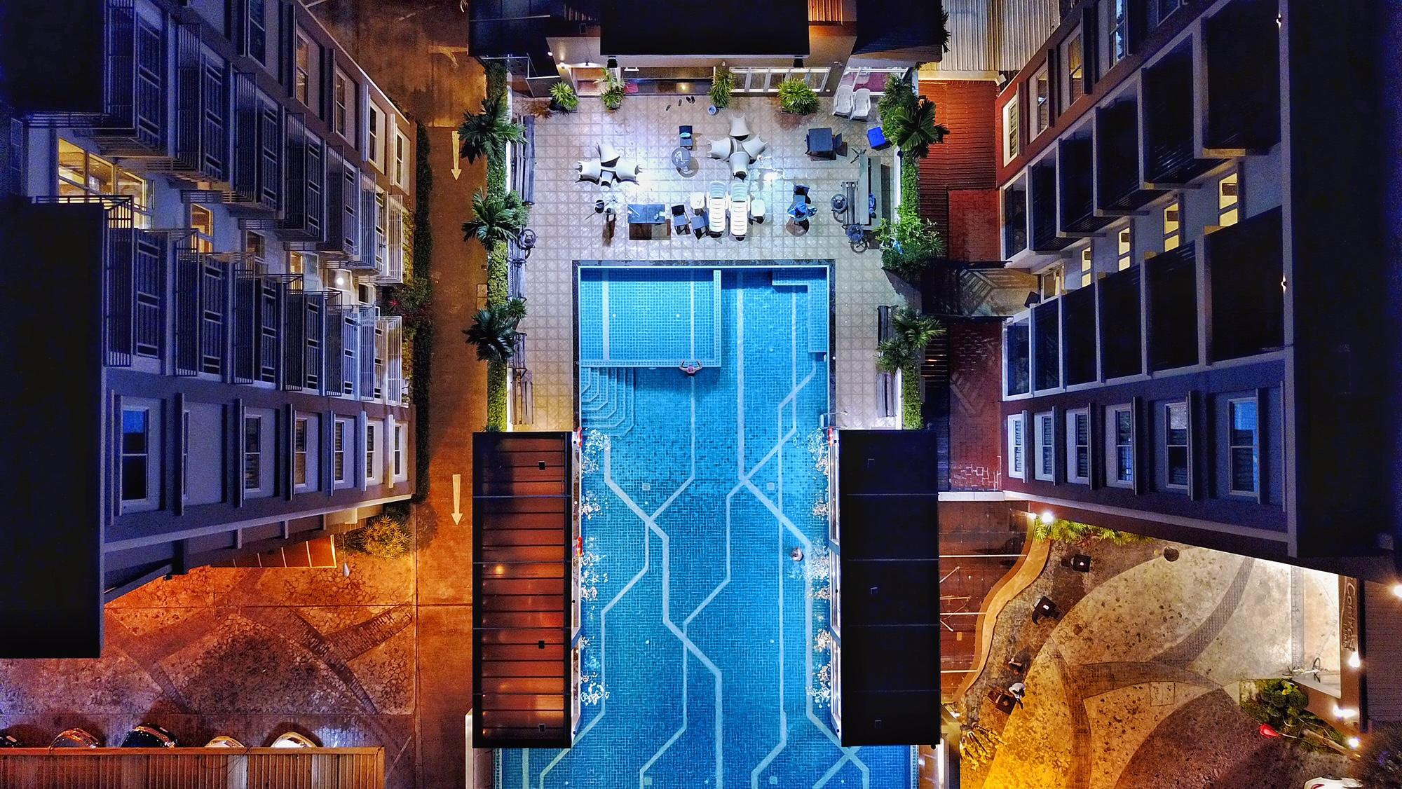 The Contrast i Hotel, Pluak Daeng