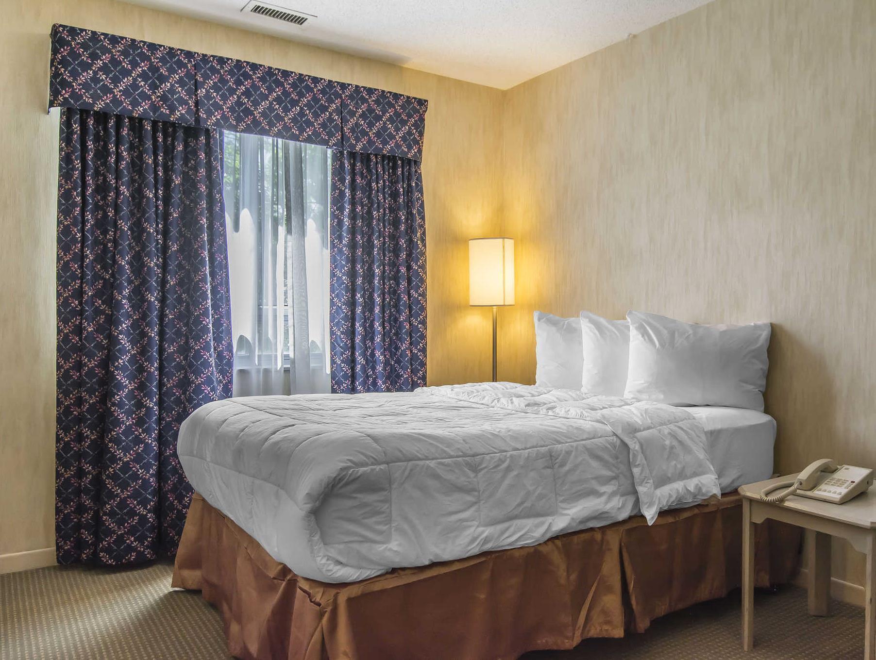 Quality Suites Laval, Laval
