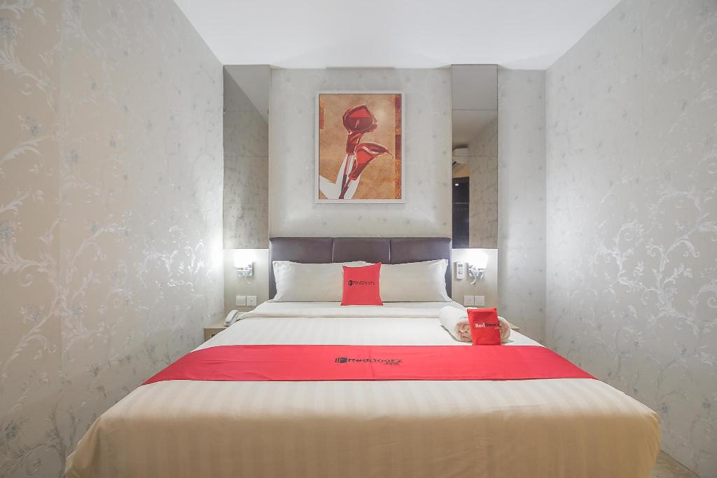 Fasilitas kamar RedDoorz Premium near Grand Batam Mall