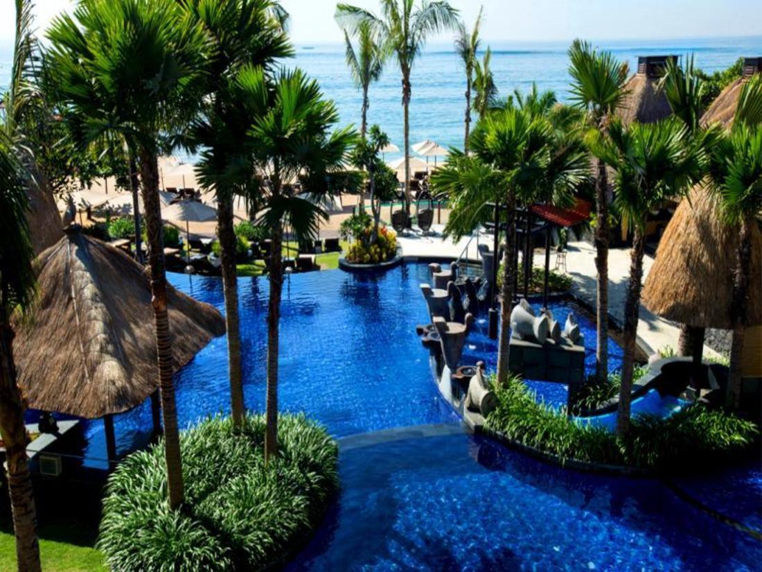 Book holiday inn resort bali benoa bali indonesia for Hotel in bali indonesia near beach