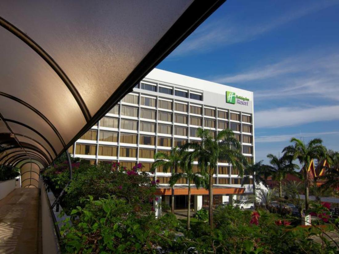 فندق منتجع هوليداي بينانغ, Holiday