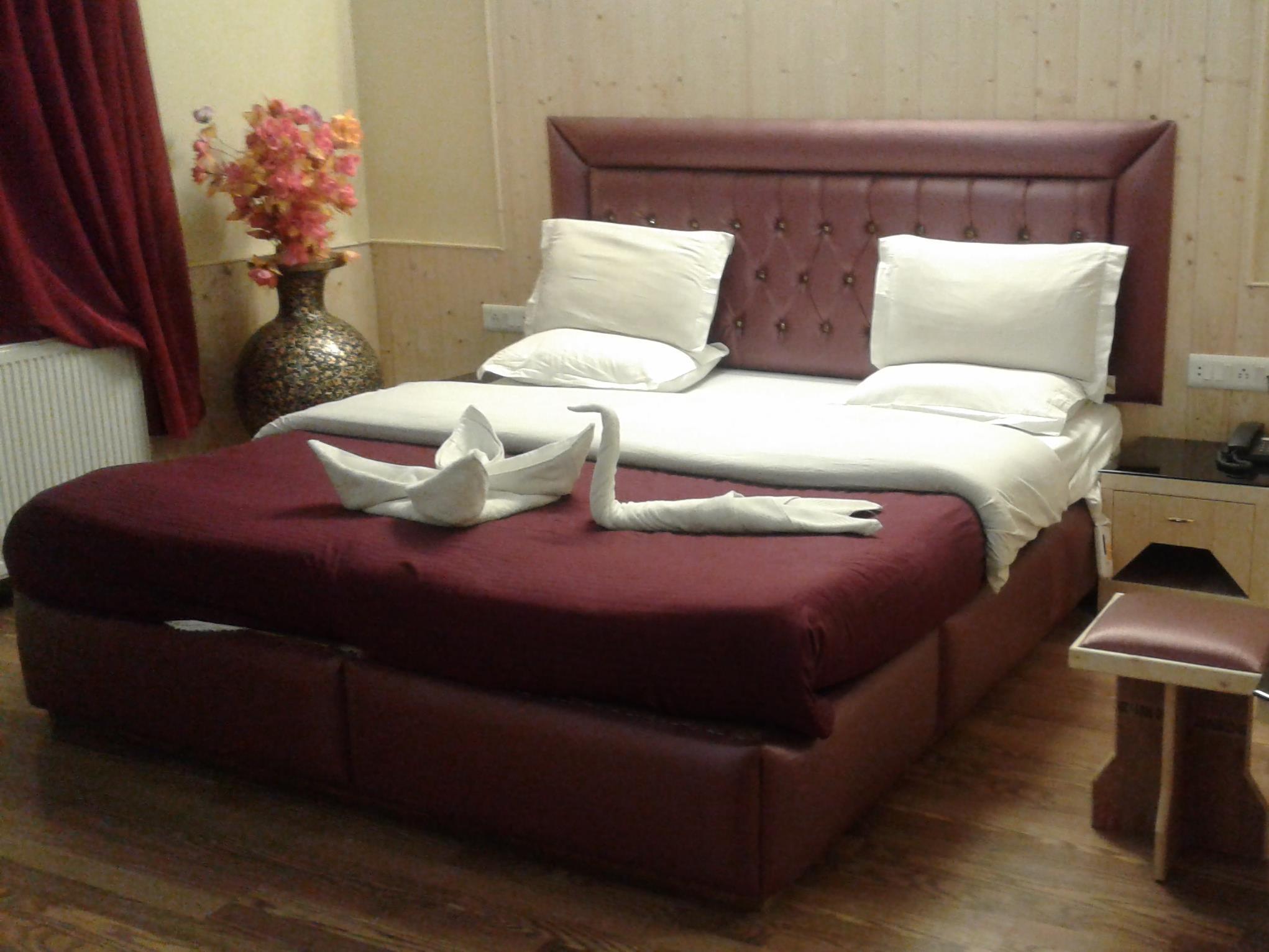 Hotel Abshar Pahalgam, Anantnag