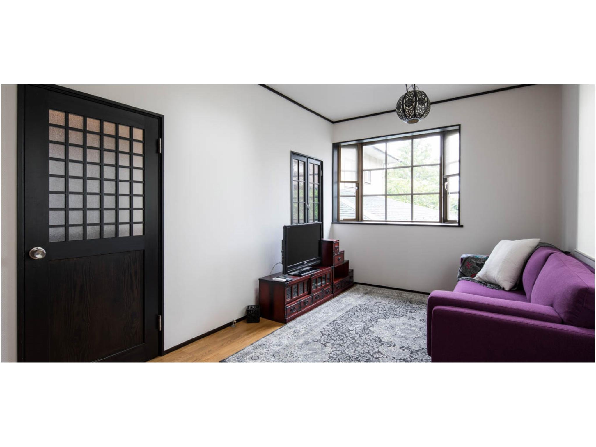 Vacation Rental Purple Sofa House Kamakura Zushi, Zushi