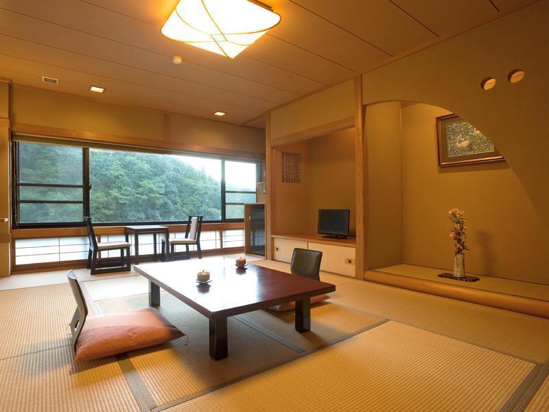 Akame Onsen Kakurenoyu Taisenkaku, Nabari