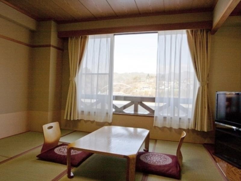 Takato Sakura Hotel, Ina