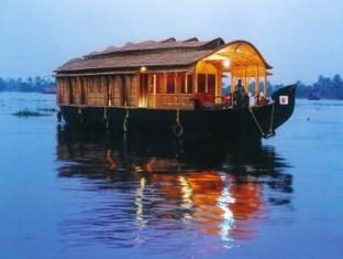 Ayurrathna Coir Village Lake Resort, Alappuzha