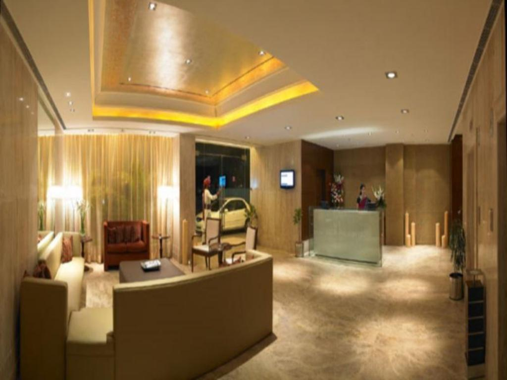 Best Price on Royal Orchid Central Jaipur Hotel in Jaipur