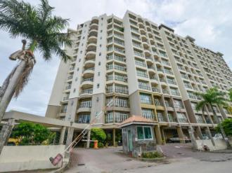 Holiday Apartment @Century Suria Service Apartment