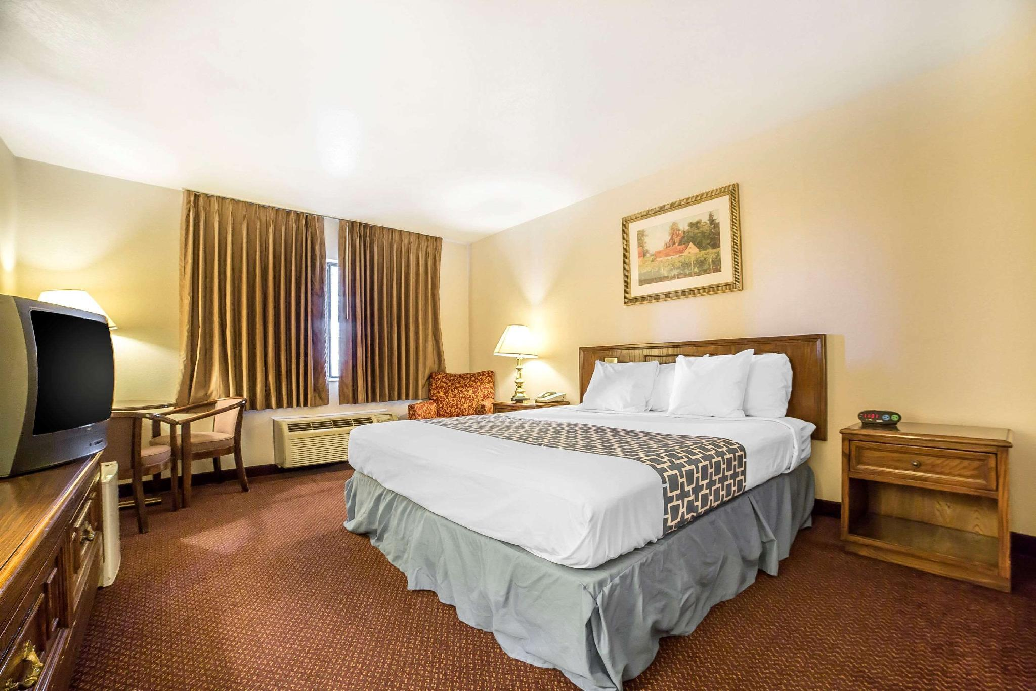 Econo Lodge Inn & Suites, Salt Lake