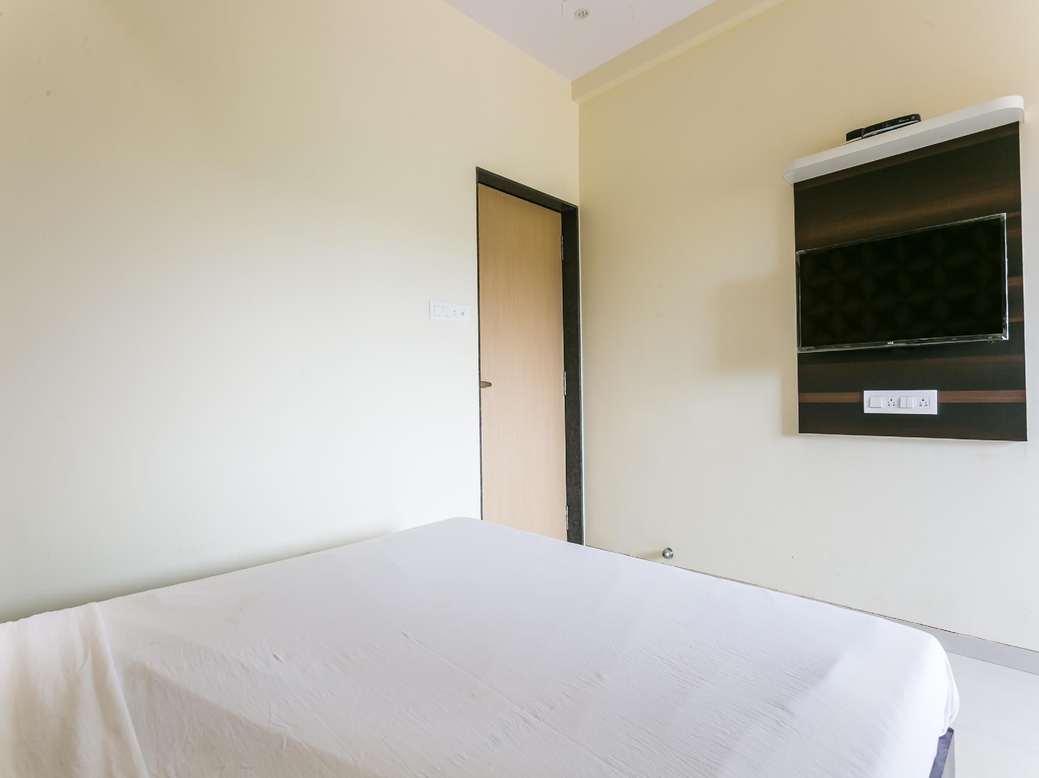 SPOT ON 47497 Hotel Fantacee, Palghar