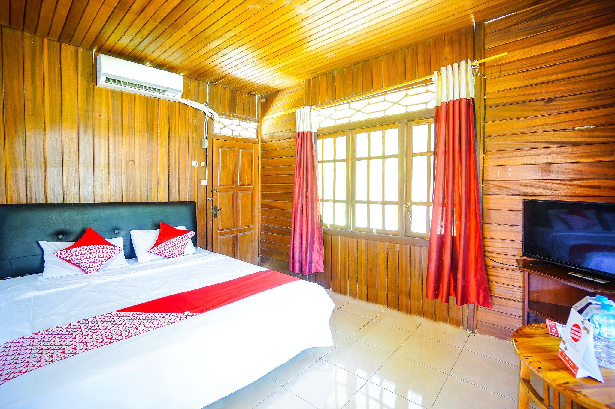 OYO 1254 Golden Lake Resort