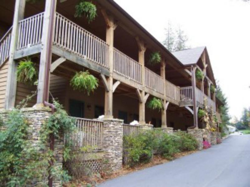 Mitchells Lodge and Cottages, Macon