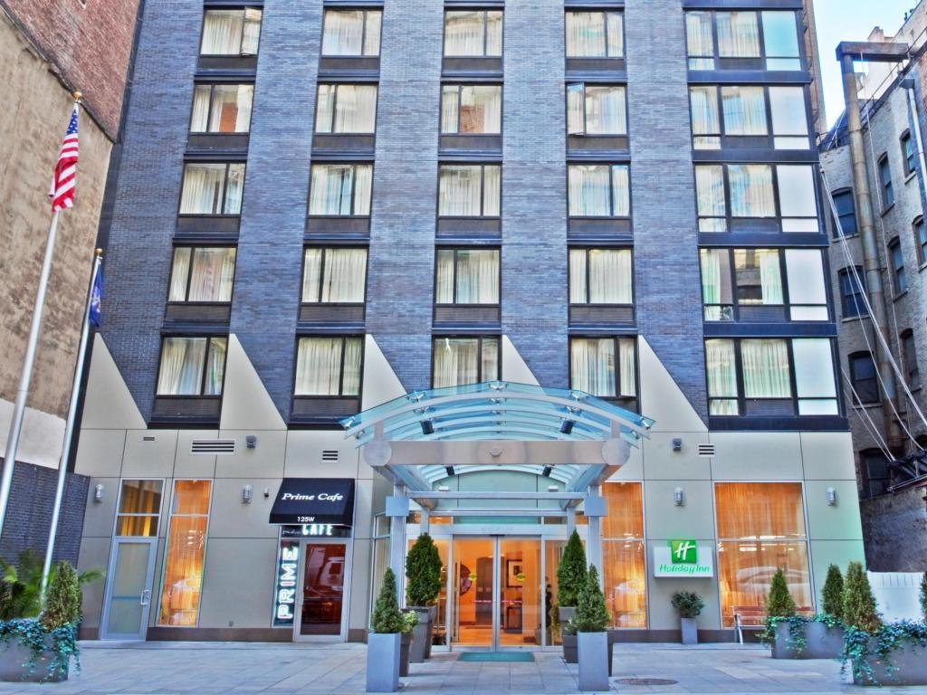 Best price on holiday inn manhattan 6th ave chelsea in for Home holidays new york manhattan