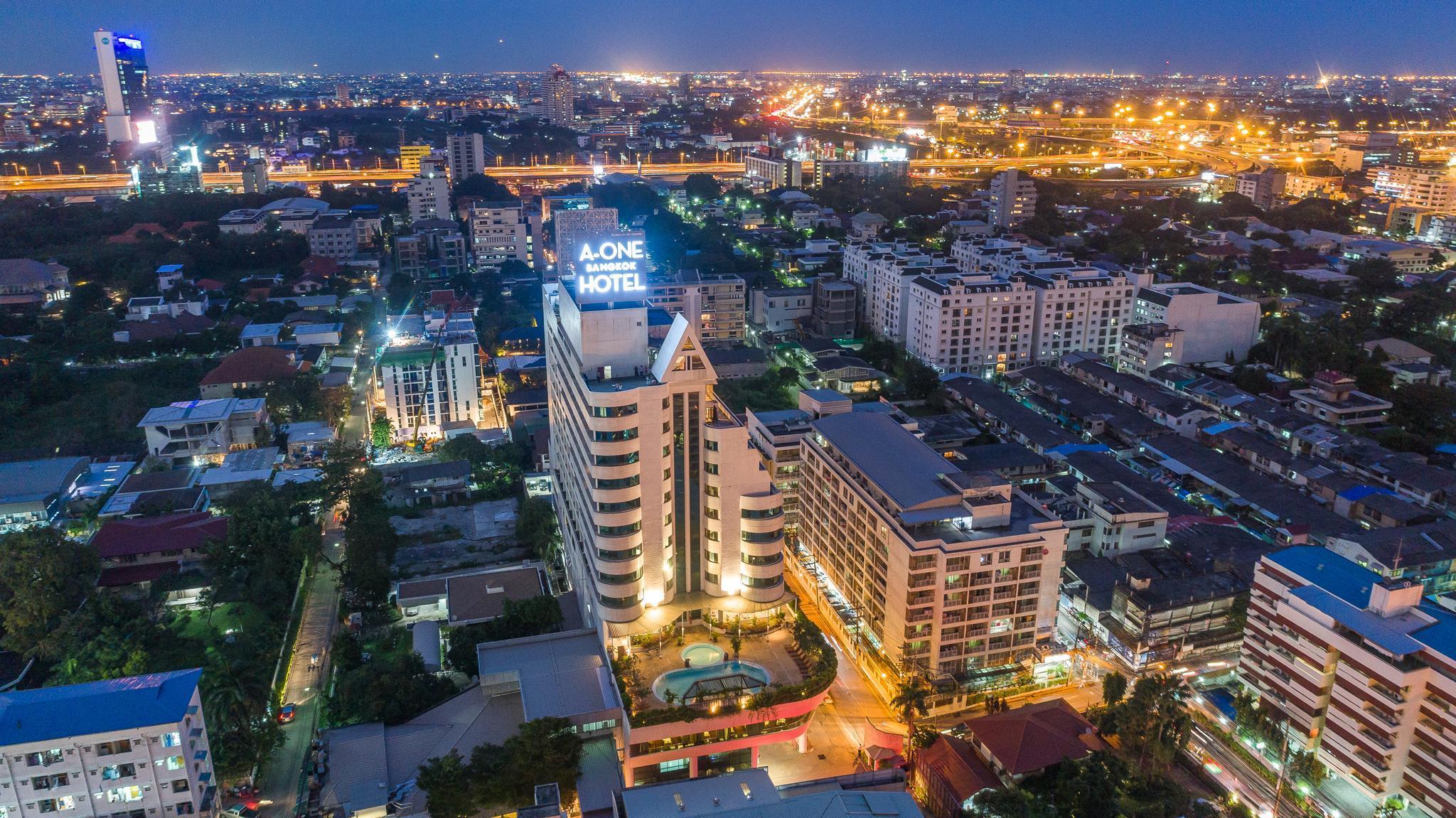 A-One Bangkok Hotel, Wattana